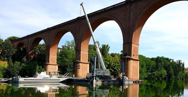 Année 2019: Barge Albi : Caissons métalliques avec pieux hydrauliques